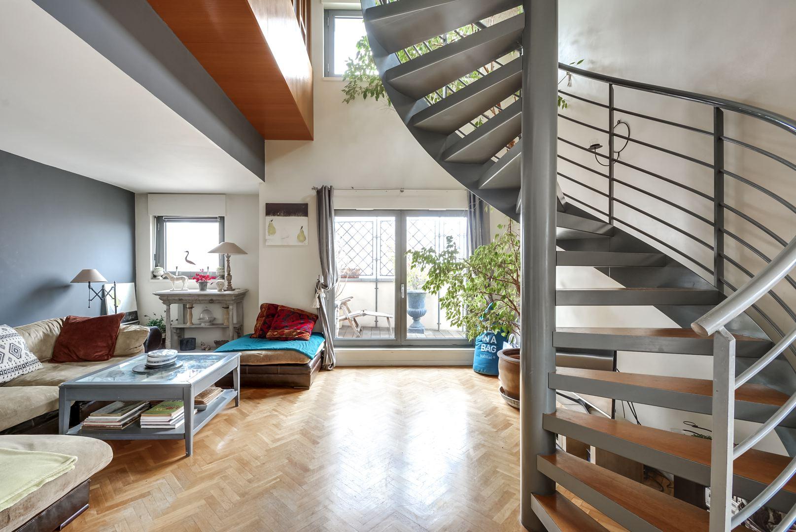 Dernier etage paris esc