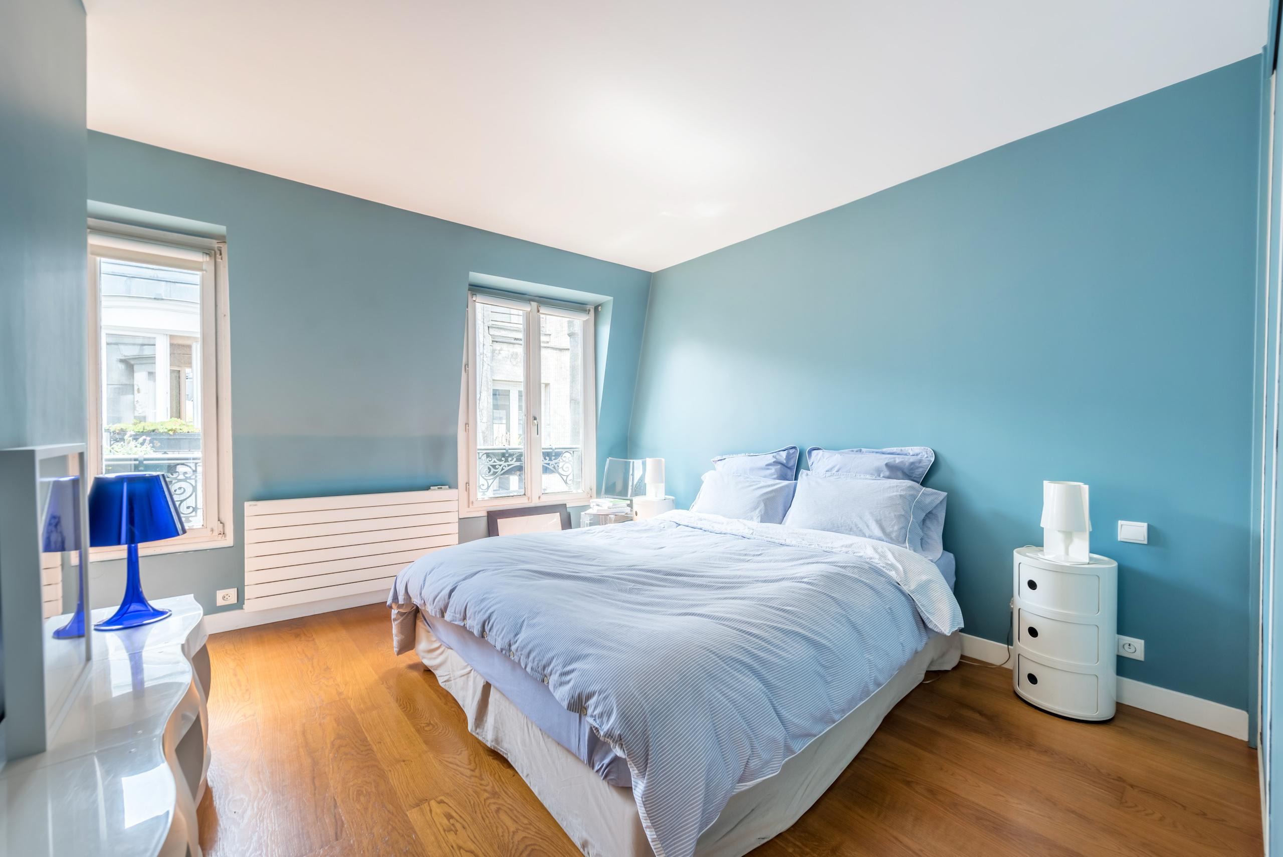 dernier-etage-paris-rue-saint-joseph-chambre