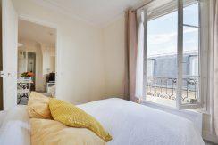 dernier-etage-paris-rue-lamblardie-chambre