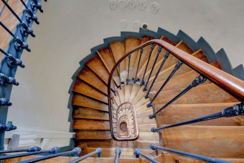 dernieretage-paris.com-escalier